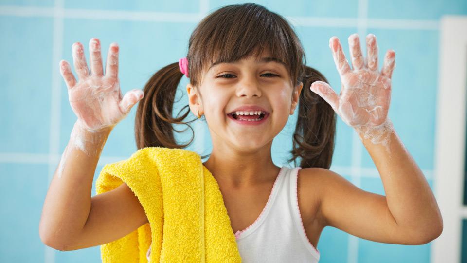 Covid 19 Günlerinde Çocukların Emniyette Hissetmelerine Yardımcı Olacak Öneriler
